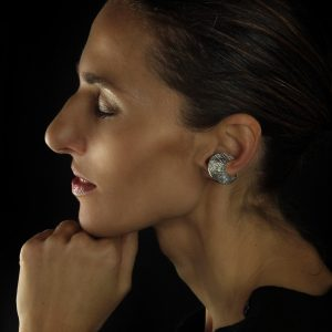 Skin textured clip earring